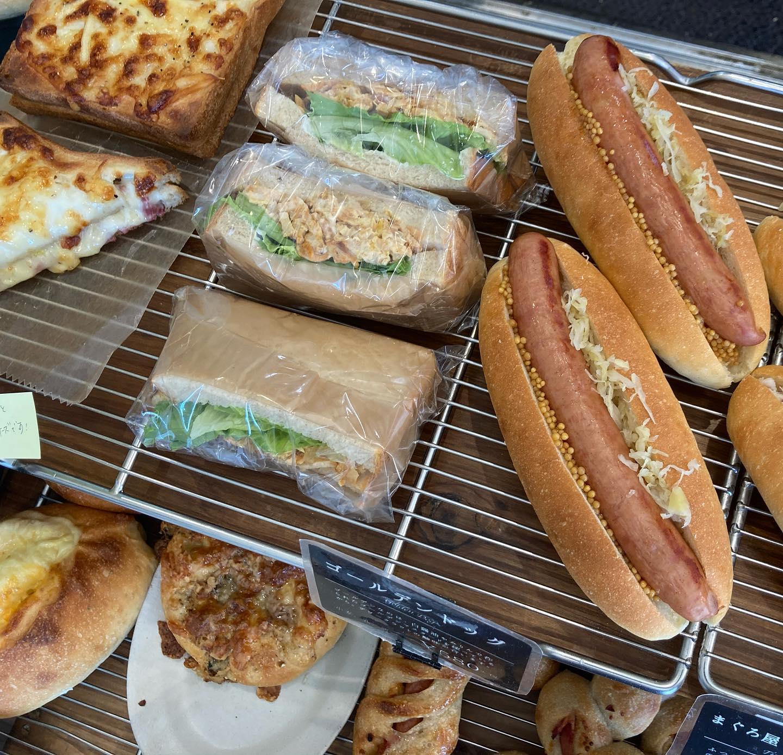 今日はサンドイッチが朝から揃っています️チャバタサンドは午後から提供します